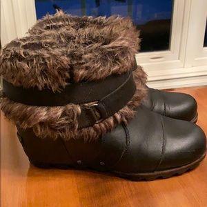 Loved Sorel Joan of Arctic faux fur bootie. 7-1/2